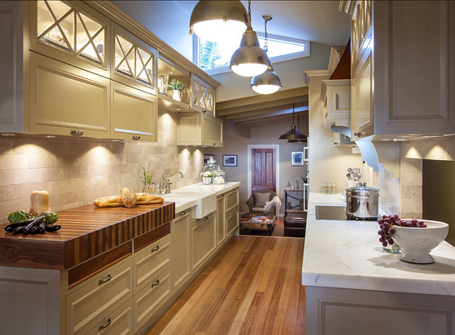 Installing under cabinet led lighting on your own home for Galley kitchen lighting ideas