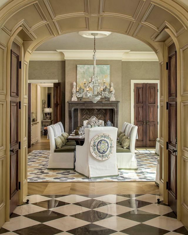 Mansion Dining Room: Home Bunch Interior Design Ideas