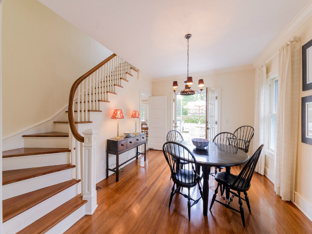 Dining Room. I am loving how welcoming this casual dining room feels. #DiningRoom
