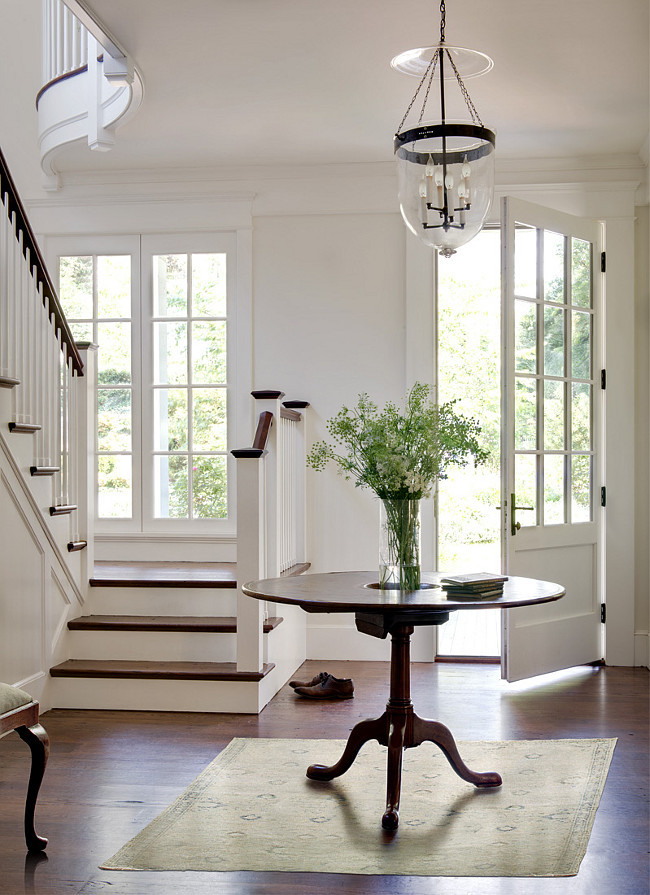 Benjamin Moore Simply White The Color of the Year. Benjamin Moore Simply White OC-117. #BenjaminMooreSimplyWhite #BenjaminMooreOC117 #BenjaminMooreColoroftheyear2016 Donald Lococo Architects.