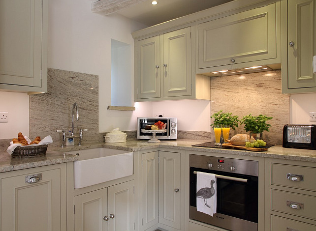 I Always Like Seeing Small Kitchens That Are Done Right And This One Is Perfect For A Cottage