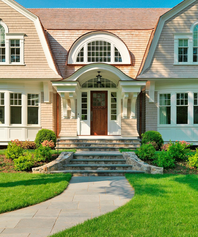 Home Design Entrance Ideas: Elegant Gambrel Shingled Home