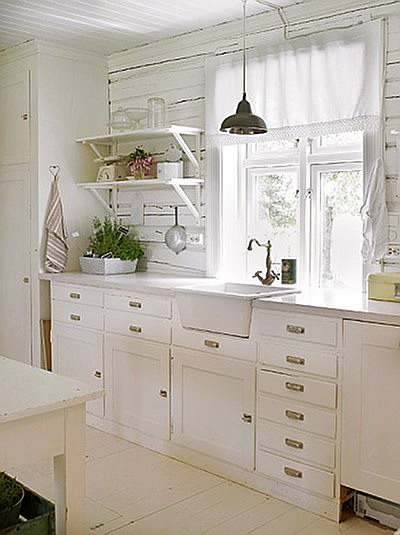Cottage of the week lovely norway home bunch interior - Cocinas vintage blancas ...