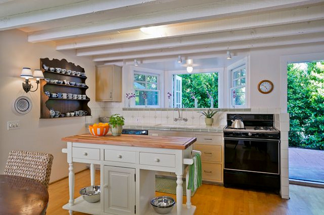 Santa barbara beach cottage home bunch interior design ideas for Santa barbara kitchens