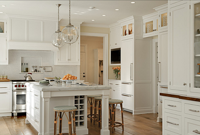 Classic white kitchen home bunch interior design ideas for Cc kitchen cabinets