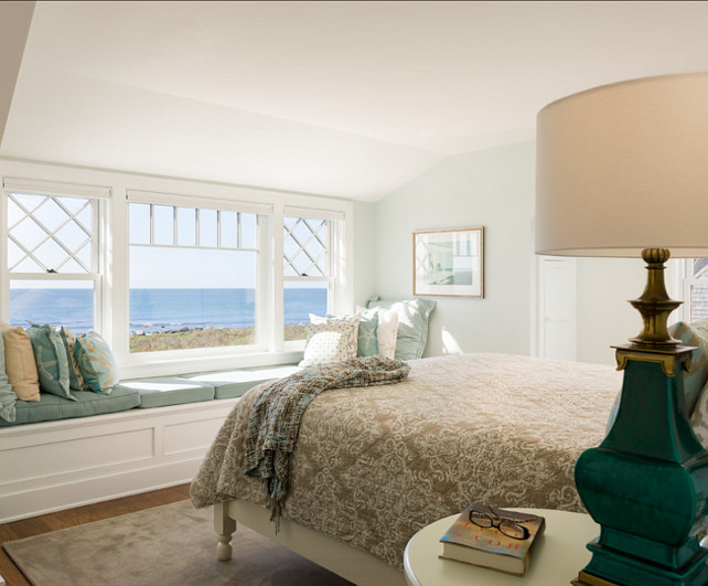 Bedroom Decor Ideas. A bedroom should always feel inviting and comfortable. This bedroom has everything you could wish for, good design and amazing ocean views! #Bedroom #BedroomDesign #Coastal #Interiors