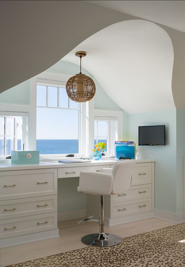 Office. Home Office Design Ideas. Click on the photo to know how this desk was built. #Office #Desk #Interiors