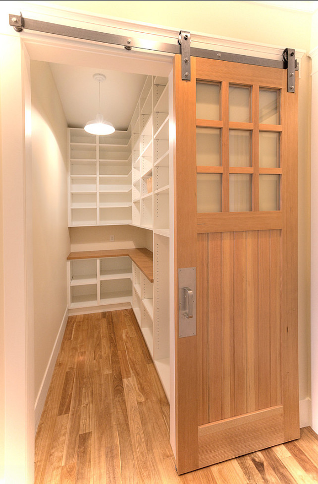 New classic coastal home home bunch interior design ideas for Pantry closet design ideas