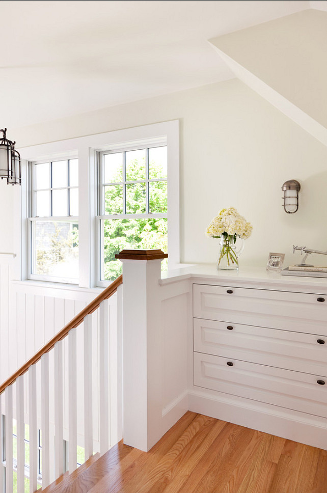 Built-in Ideas. Beautiful built-in in this coastal cottage. #Builtin #Interiors