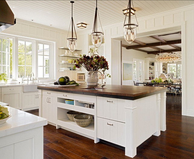 Transitional Kitchen. This transitional kitchen has a very interesting design. Love the island. #TransitionalKitchen #Transitional #Kitchen #Interiors
