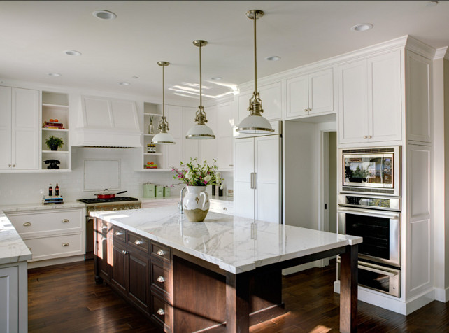 Inviting family home home bunch interior design ideas for Kitchens with islands in the middle