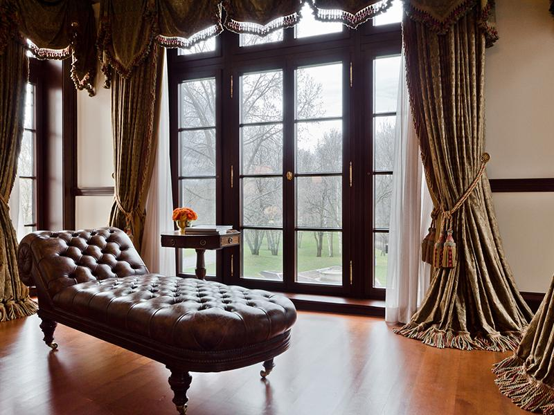 Celine dion s new house for sale home bunch interior for Chaise design montreal