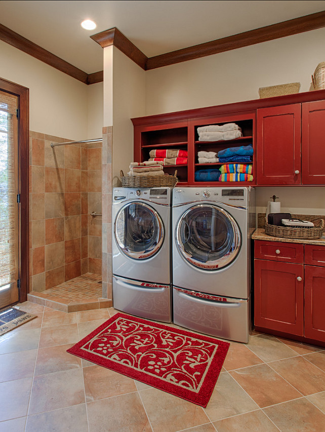 Laundry Room Cabinet Design. This laundry room has great cabinets and pet shower. #LaundryRoom #Cabinetry