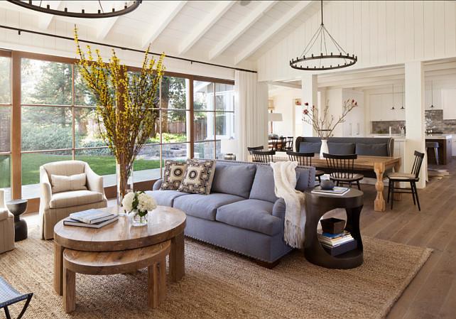 Living Room. Living Room Ideas. Living room with an easy layout. #LivingRoom #LivingRoomLayout #LivingRoomIdeas #LivingRoomDesign
