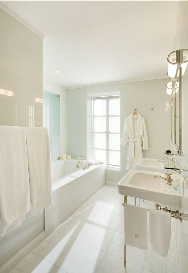 White Bathroom. Architectural Photography.