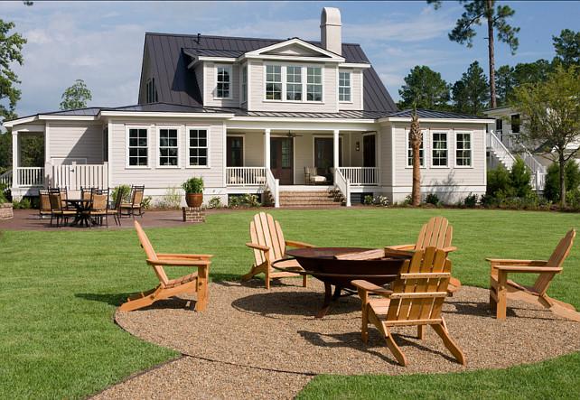 Bakcyard Design Ideas. Bakcyard with firepit. This backyard is perfect for entertaining. #Backyard #BackyardIdeas