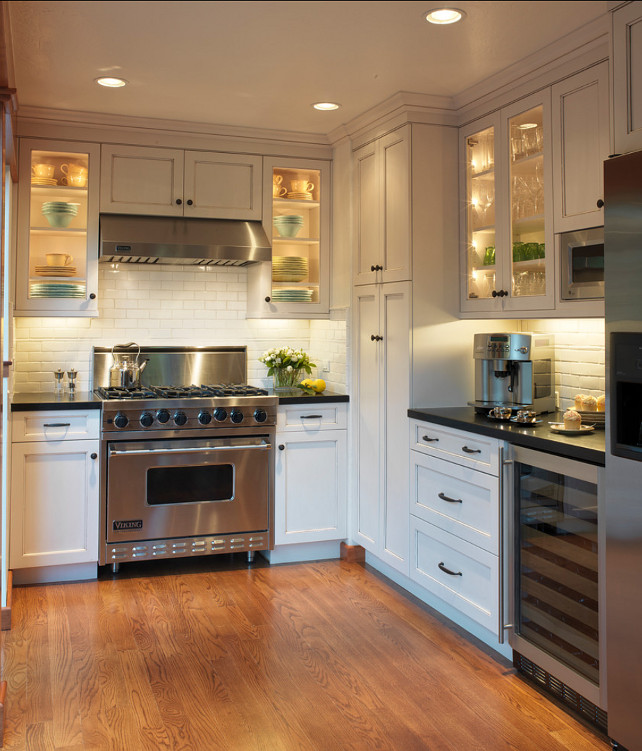 A suave led lit condo home bunch interior design ideas for Benjamin moore chantilly lace kitchen cabinets