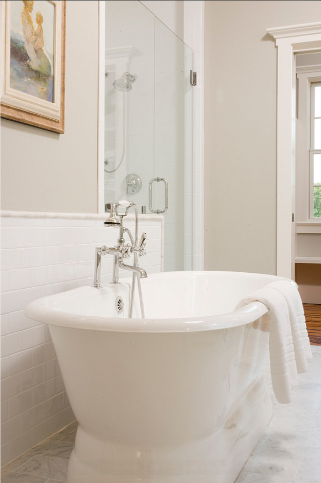 Bathroom Design. Inspiring bathroom design. This is a very elegant and timeless bathroom. #Bathroom