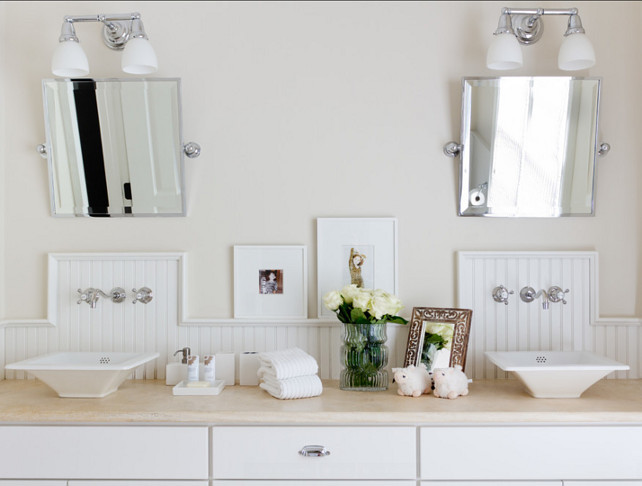 Bathroom Design. Kids bathroom design ideas. I like how neutral this kids bathroom looks. #Bathroom #KidsBathroom