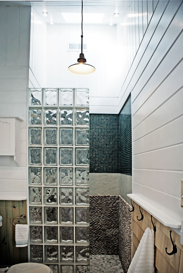 Bathroom Shower. Small Bathroom shower ideas. Small Bathroom shower design. #SmallBathroom #shower  #smallshower