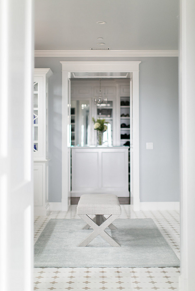 grey fur rug padded bench closet design ideas | California Beach House Designed by Brandon Architects ...