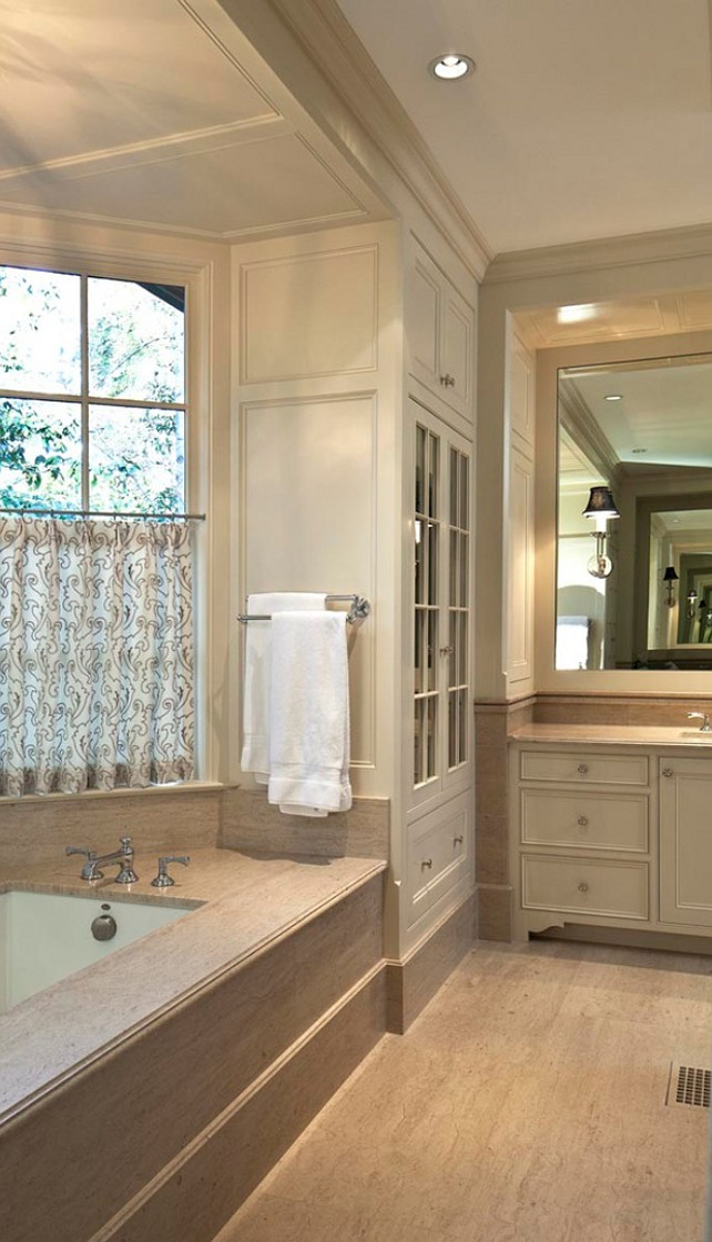 Bathroom. Bathroom Ideas. Bathroom with marble flooring and panelled walls. #Bathroom #PanelledWalls #BathroomMarbleFloors #BathroomMarbleFlooring  Reu Architects
