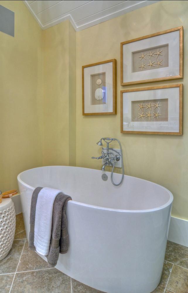 Bathroom. Coastal Bathroom. Bathroom with coastal decor. #Bathroom #BathroomDecor #CoastalBathroom #Coastaldecor