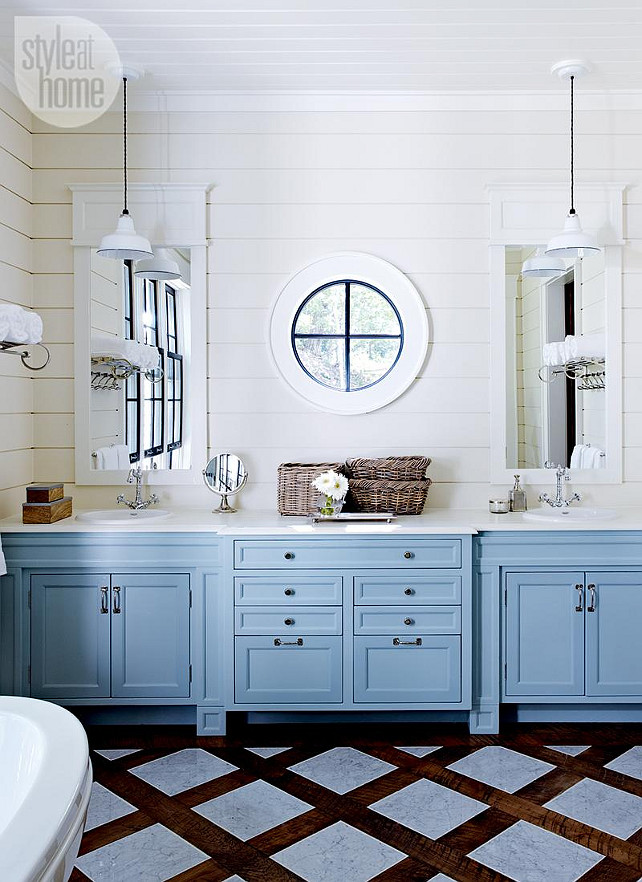 Lake muskoka cottage with coastal interiors home bunch - Type of paint for bathroom cabinets ...
