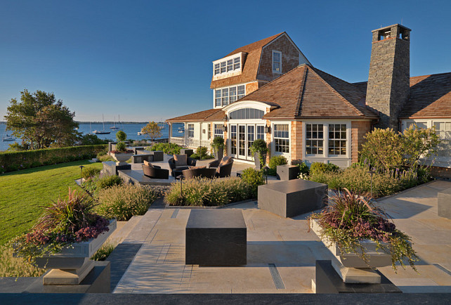 Beach House Backyard. #BeachHouse #Backyard Gale Goff Architect.
