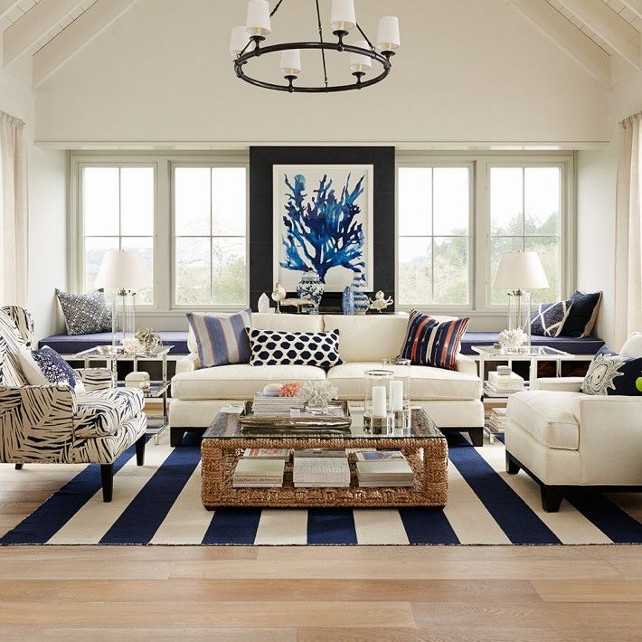 Beach House Living Room With Classic Blue And White Decor. #BlueandWhite # LivingRoom # Part 20