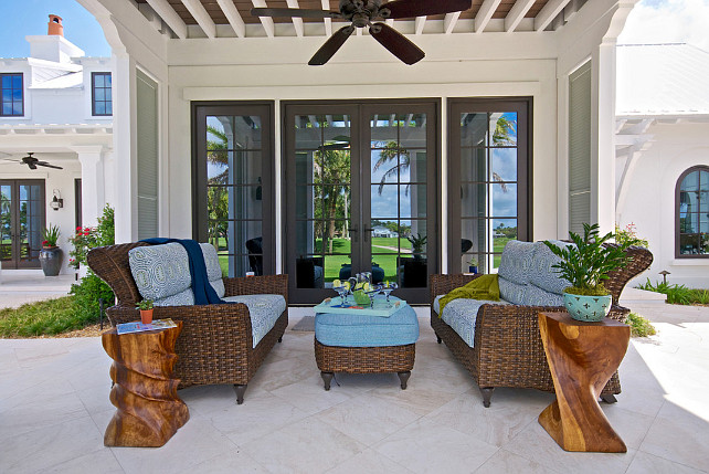 Beach house outdoor living areas. How to decorate outdoor areas in a beach house. Cronk Duch Architecture.