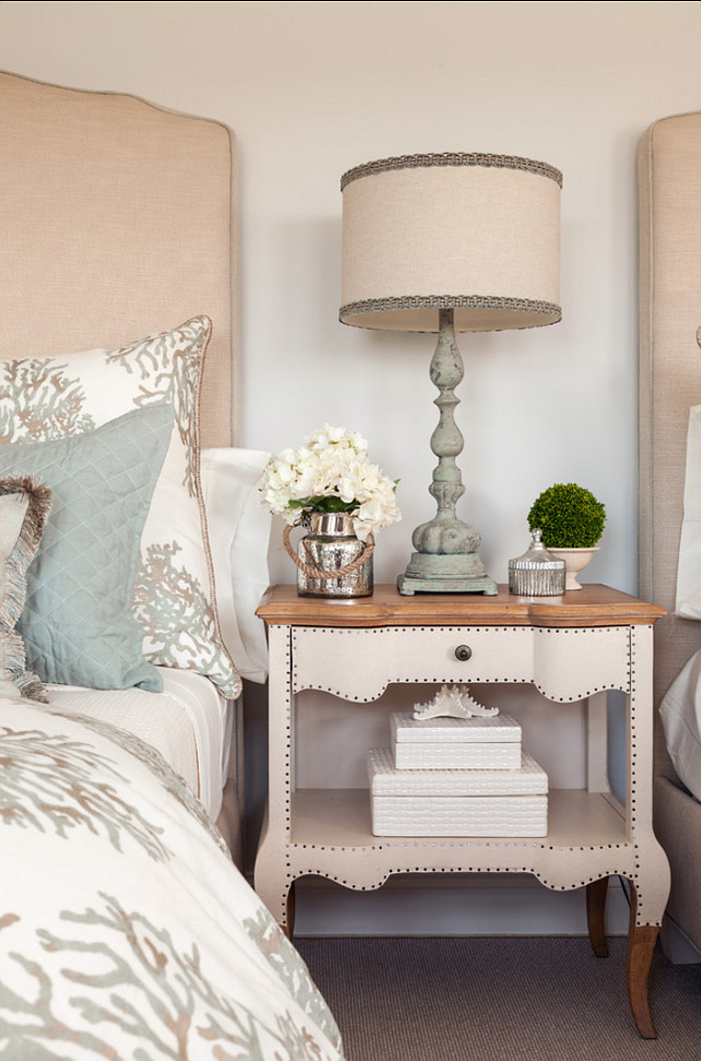 Top Coastal Bedroom Color Palette. Coastal Bedroom Decor. Beautiful coastal bedroom decor ideas. #BedroomDecor #CoaslBedroom #Bedroom