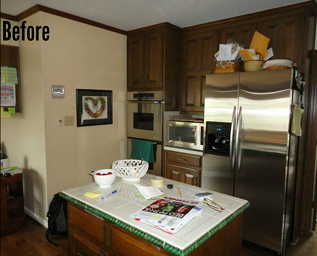 Before and After Kitchen Cabinet Paint #BeforeandAfterKitchenCabinetPaint