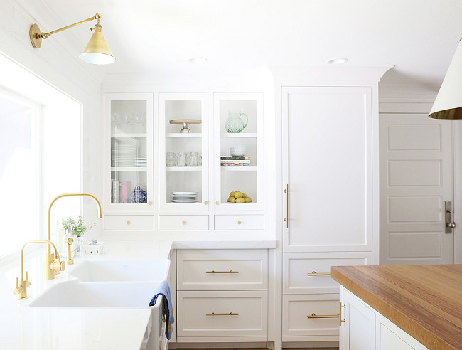 Benjamin Moore Chantilly Lace. Cabinet Benjamin Moore Chantilly Lace. Kitchen Benjamin Moore Chantilly Lace. Benjamin Moore Chantilly Lace Paint Color. #BenjaminMooreChantillyLace