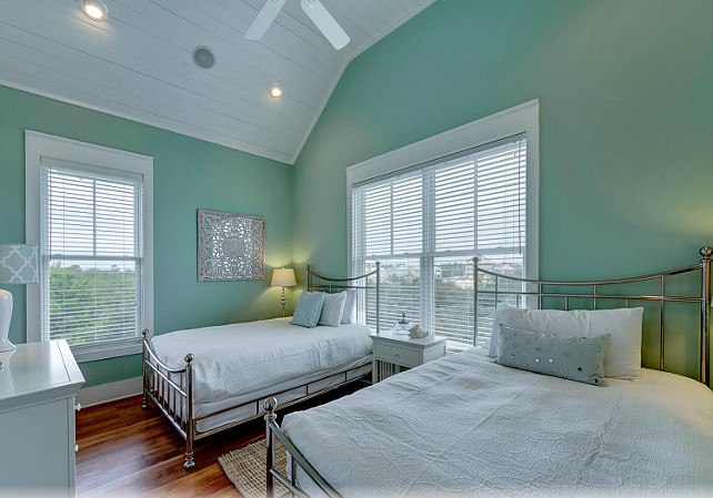 Florida empty nester beach house for sale home bunch for Benjamin moore turquoise colors