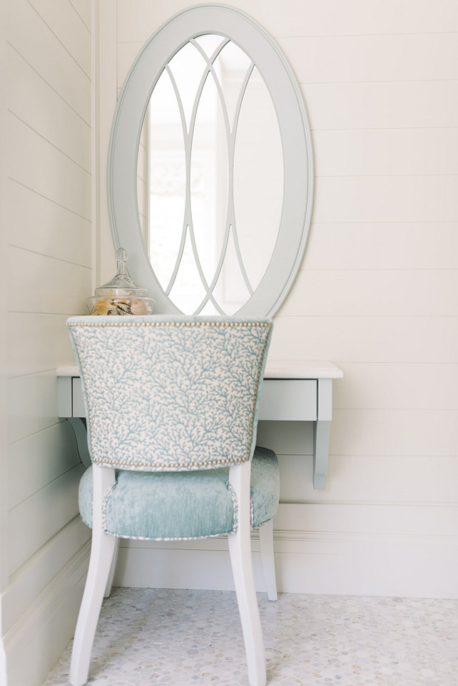 Benjamin Moore White Dove OC-17 Shiplap Wall Paint Color. Four Chairs Furniture.