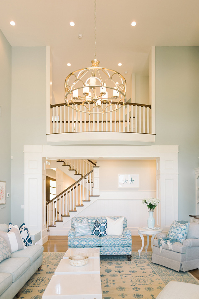Benjamin Moore White-Grey Wash. Ceiling Paint Color. White Grey Wash Benjamin Moore. Benjamin Moore White-Grey Wash. #BenjaminMooreWhiteGreyWash #BenjaminMoorePaintColors #BenjaminMooreCeilingPaintColor