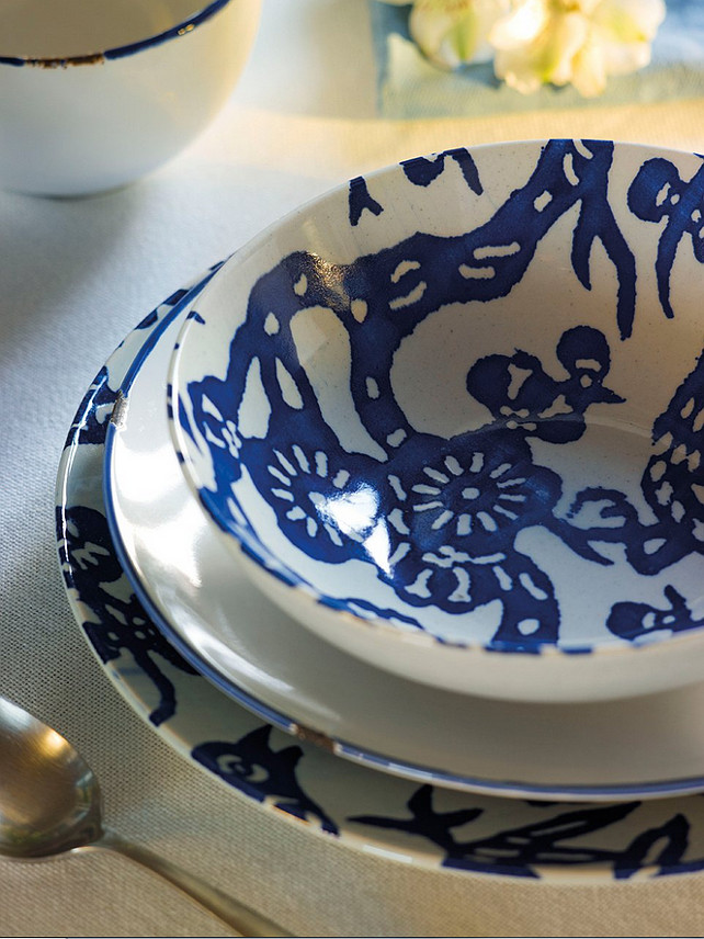 Blue and White China Ideas. Casual and elegant blue and white china. #BlueandWhite  #BlueandWhiteChina
