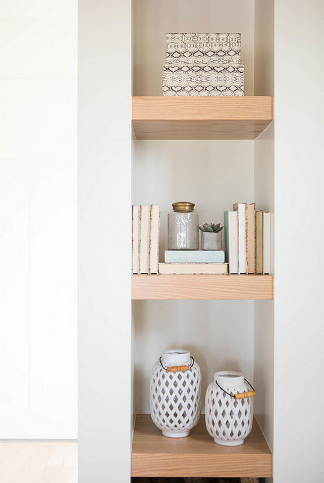 Bookshelf Books. Decorating bookshelves with books and decorative accessories. #Bookshelves #Bookshelf #Acessories #Decor Ashley Winn Design.