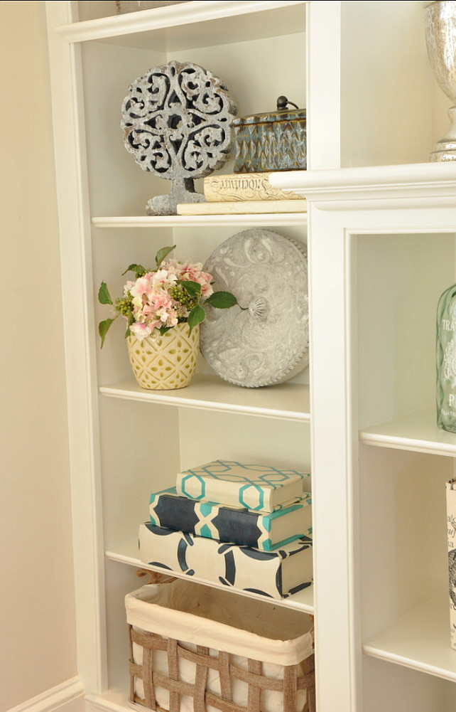 Built-in Decor Ideas. Built-in vignette. #BuiltinDecor #Decor #HomeDecor #vignette