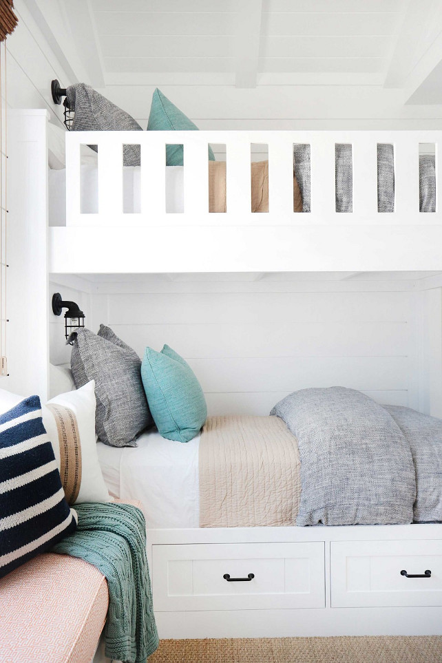 Bunk Bed Bedding. How to choose the right bedding for you bunk bed. #BunkBedBedding Blackband Design.