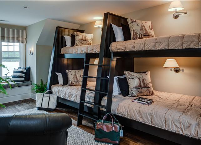 Bunk Room. Bunk Room Ideas. Classic coastal bunk room design. #BunkRoom #CoastalBunkRoom #BunkRoomDesign