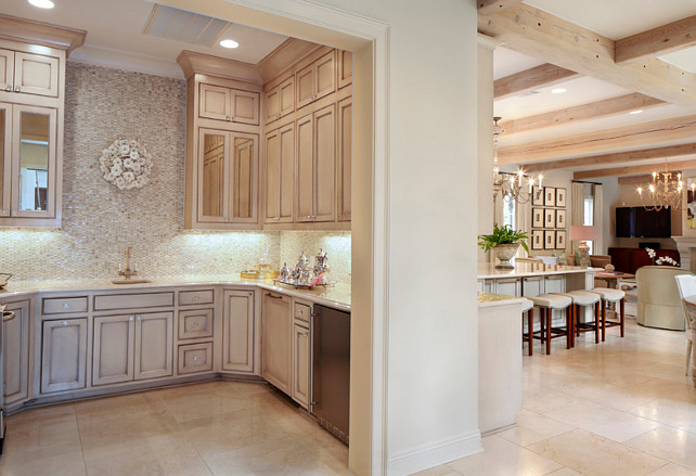 Butlers Pantry Design Ideas. Butler Pantry Layout. Butlers pantry off kitchen. #butlerspantry
