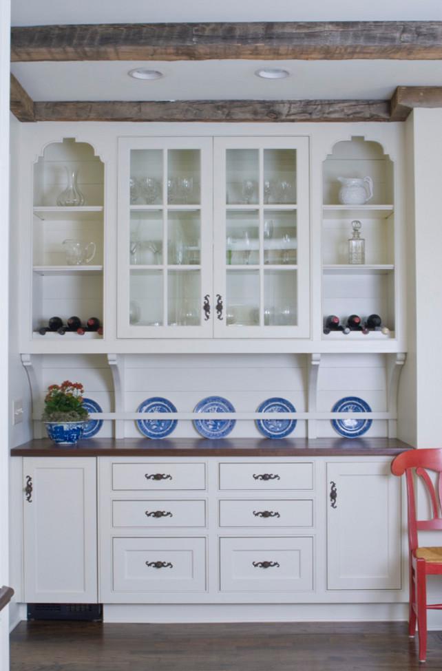 Butler's Pantry. Butler's Pantry Design Ideas. Traditional Butler's Pantry Design. #ButlersPantry  Bradley E Heppner Architecture, LLC.