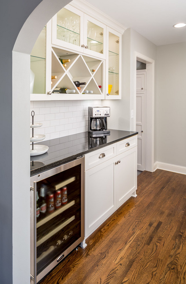 Butler's Pantry. Butler's Pantry Design. #ButlersPantry #ButlersPantryIdeas #SmallButlersPantry  Sicora Design.