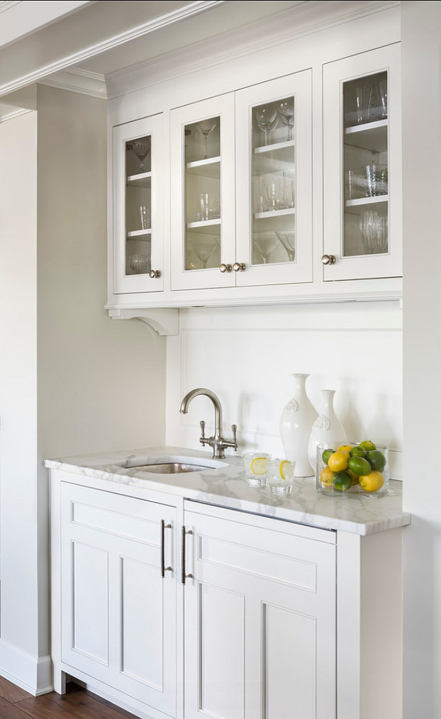 Butlers' Pantry. Butlers' Pantry Ideas. Butlers' Pantry Cabinet with calcutta marble countertop. #Butlerspantry
