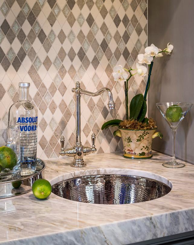 Calacatta Bluette. Calacatta Bluette Marble. Marble Calacatta Bluette Countertop. Marble Countertop Ideas. #CalacattaBluette Brownhouse Design.
