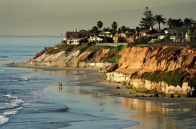 Carlsbad, San Diego, California. Via San Diego Scenic Photos.