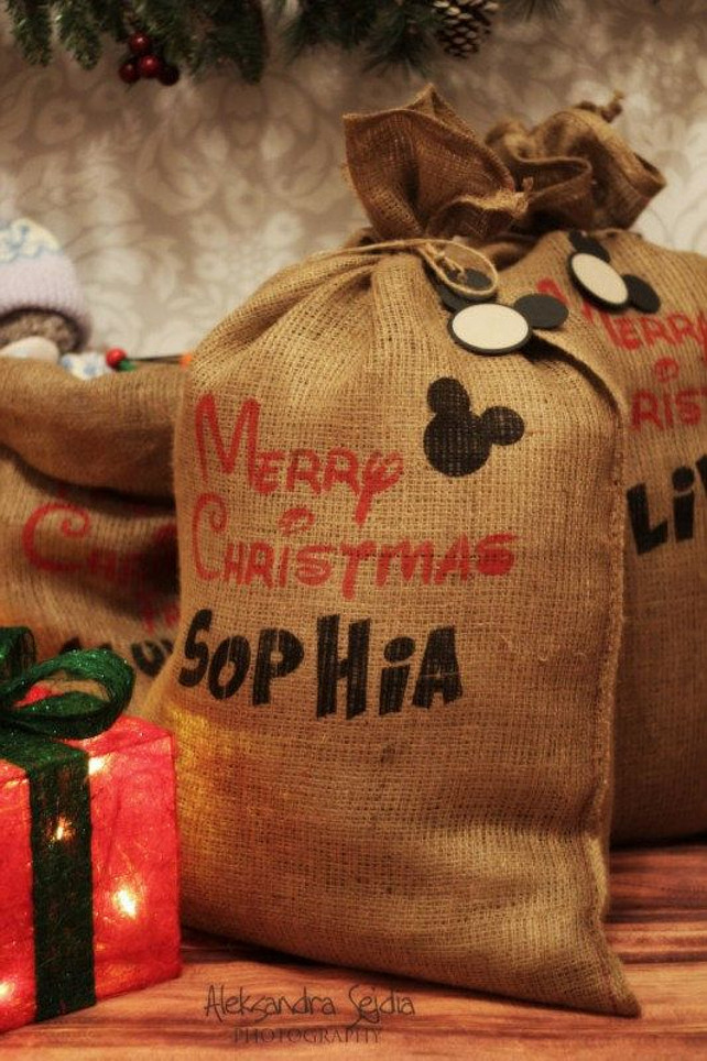 Christmas Decorating Ideas. Christmas Sack. Christmas Bag. Via BoonLondonJewelry.