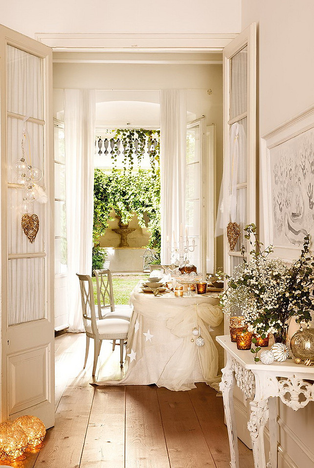 New christmas decorating ideas home bunch interior for Holiday dining room decorating ideas